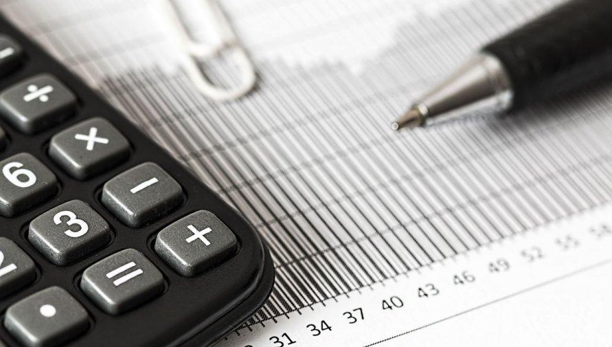 zdjęcie kalkulatora: Pixabay (pexels.com)