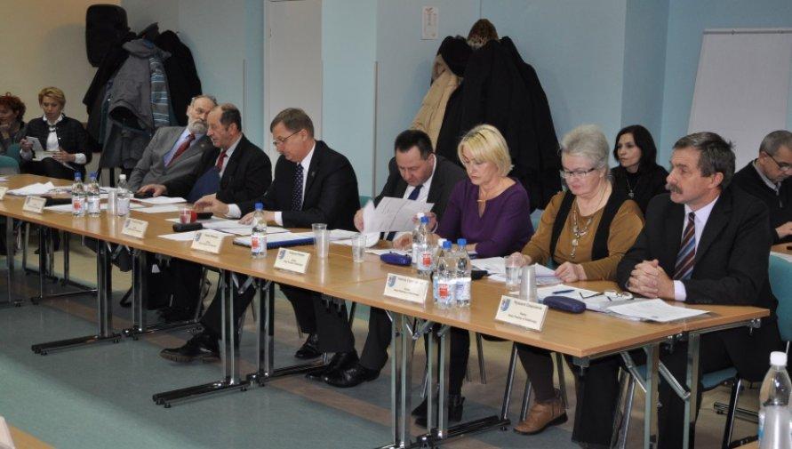2016.04.21 - XVII sesja Rady Powiatu w Kołobrzegu - Kliknięcie w obrazek spowoduje wyświetlenie jego powiększenia