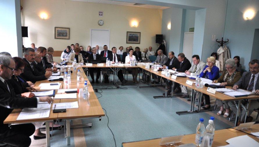 zdjęcie wykonane podczas wcześniejszych sesji Rady Powiatu w Kołobrzegu - Kliknięcie w obrazek spowoduje wyświetlenie jego powiększenia