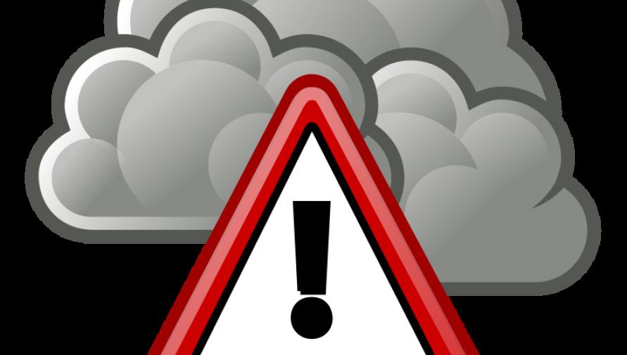 chmura z symbolem ostrzeżenia - grafika www.openclipart.org - Kliknięcie w obrazek spowoduje wyświetlenie jego powiększenia